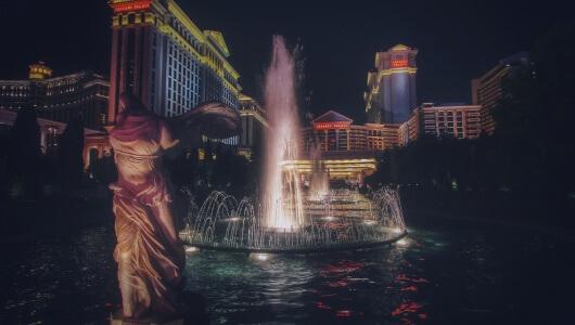 Echtes Casino vs. Online Casino - Caesars Palace Las Vegas